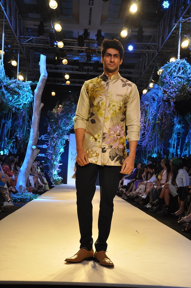 manish-malhotra-;akme-fashion-week-2014 (23)
