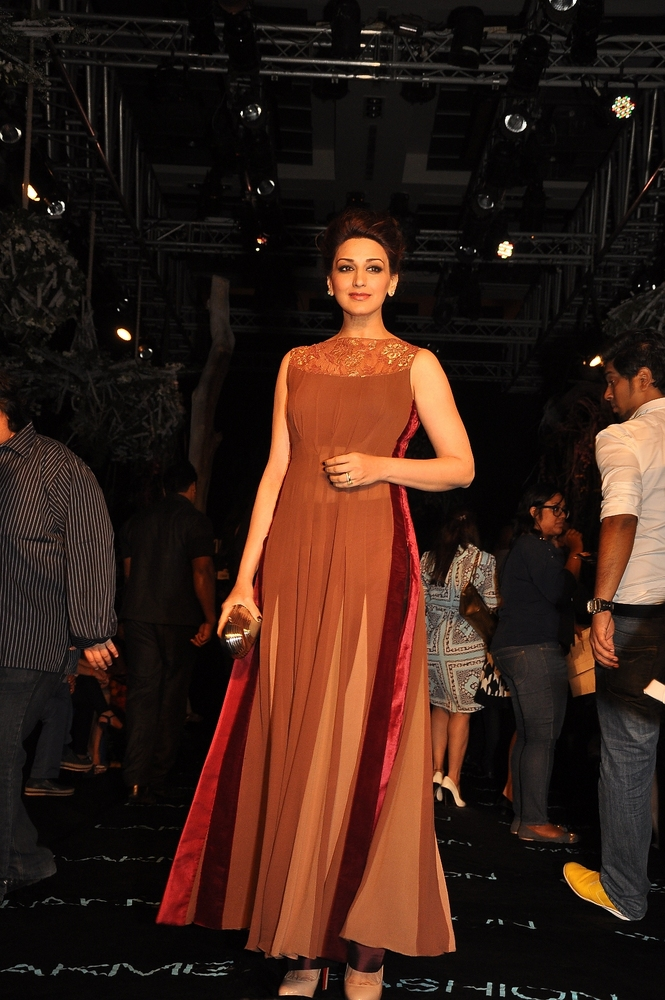manish-malhotra-;akme-fashion-week-2014 (34)