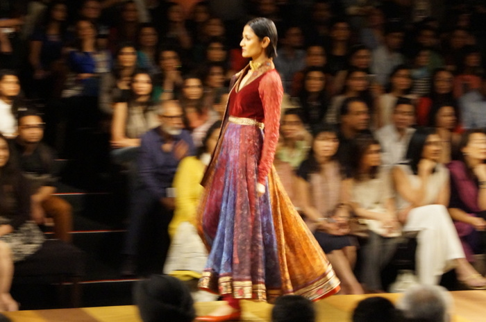tarun-tahiliani-wills-india-fashion-week4