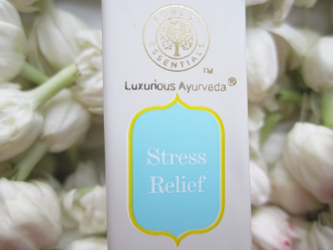 Forest Essentials Stress Relief Oil Review (4)
