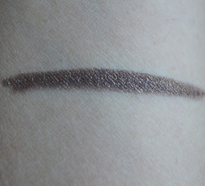 bobbi-brown-gel-eyeliner-pencil3