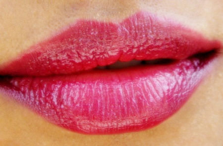 Maybelline The Jewels Colorsensational Lipstick in Berry Brilliant (5)