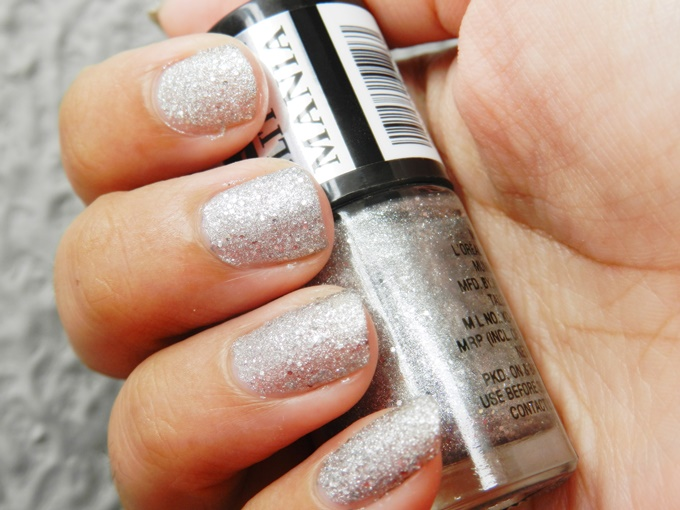 Maybelline Colorshow Glitter Mania Nail Polish in Starry Nights & Dazzling Diva Review (5)