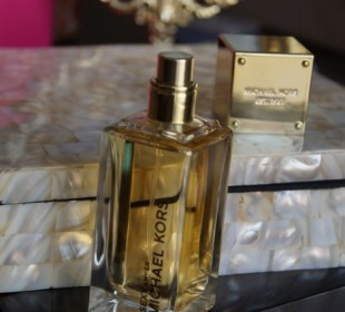 Michael Kors Sexy Amber Perfume Review