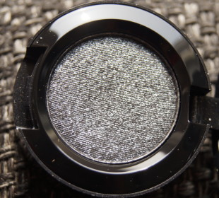Mac Heirloom Mix Collection pressed pigment eyeshadow in Prim & Proper: Review & Swatches