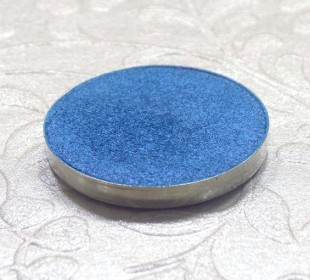 Coastal Scents Hot Pot in S12 Brandeis Blue: Swatches & Review
