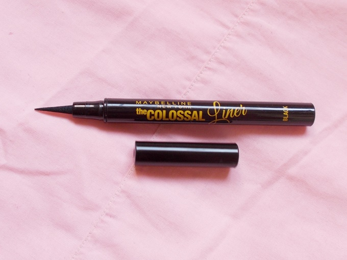 Maybelline The Colossal Liner in Black Review (1)