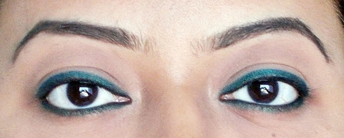 Maybelline The Colossal Kohl Kajal In Crushed Emerald Review (4)