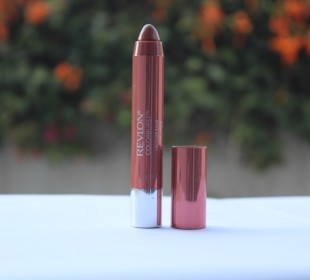 Revlon ColorBurst Lacquer Balm in Ingenue Review