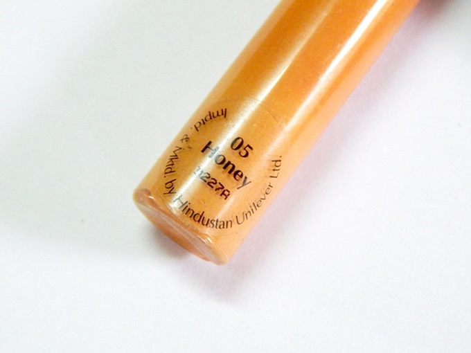 Lakme Absolute Face Stylist Concealer In Honey Review (3)