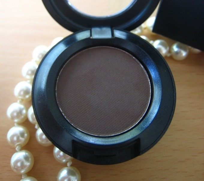 MAC Mystery Satin Eye Shadow Review (5)
