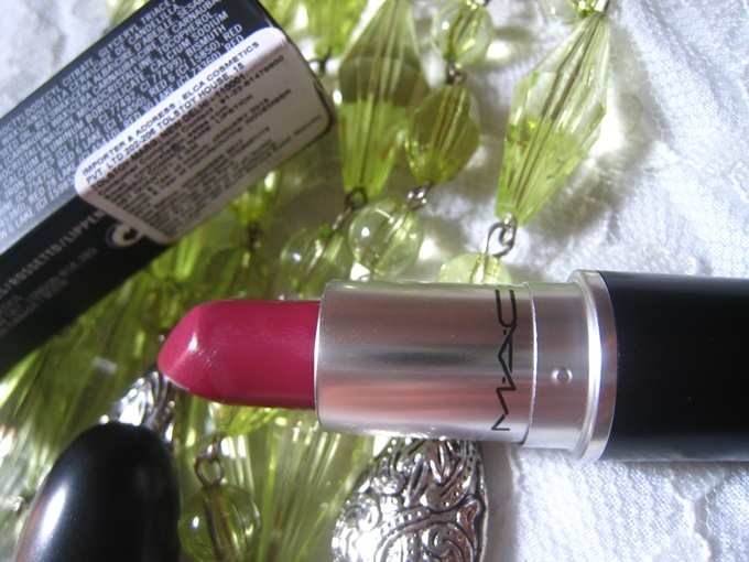 MAC Satin Lipstick in Captive Review  (4)
