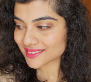 Lakme Absolute Lip Pout Review: Meh !