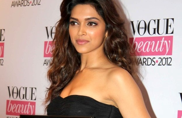 Deepika-Padukone-at-the-Vogue-Beauty-Awards-Makeup