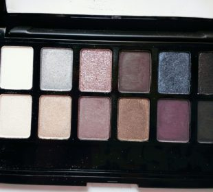 Maybelline The Rock Nudes Palette : Swatches & Review
